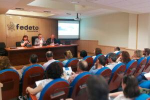 300 empresarios asisten a las jornadas para conocer el registro laboral