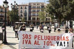 PELUQUERÍAS Y CENTROS DE BELLEZA DE LA PROVINCIA EXIGEN LA BAJADA DEL IVA AL 10%