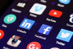 Contratos de suministro de contenidos digitales y servicios digitales